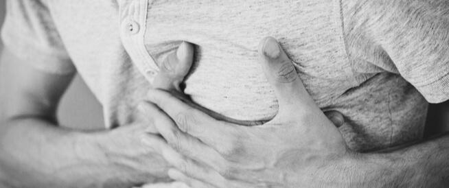 أعراض انسداد الشرايين وأسبابه: قائمة بأهمها