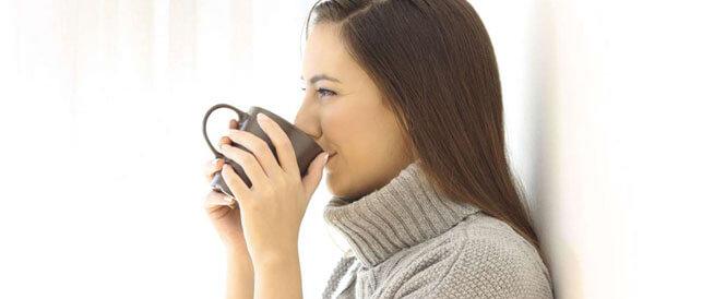 هذا ما يحدث في الجسم عند تناول الشاي الأخضر يومياً