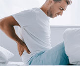 أسباب وعلاج ألم الظهر الصباحي