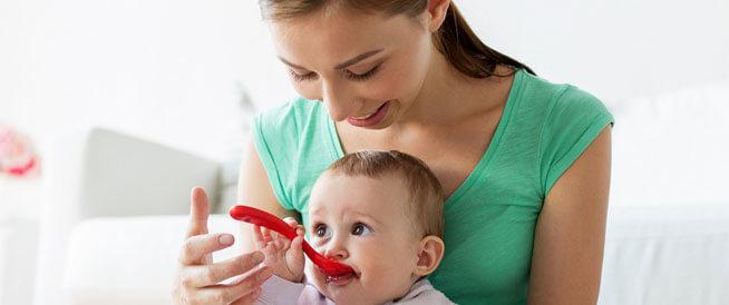 أضرار فطام الطفل الرضيع مبكراً