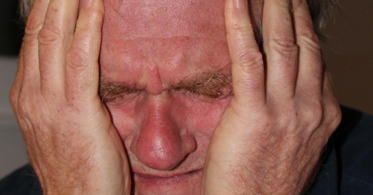 اعراض التهاب الاعصاب في الراس ويب طب