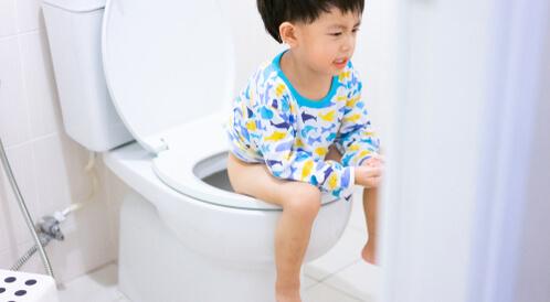 علاج الامساك للاطفال