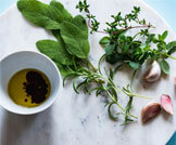 أعشاب هامة لصحة الحلق