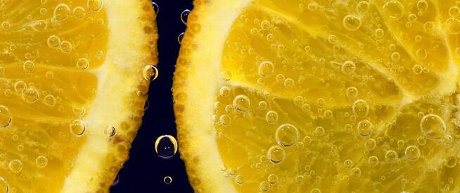 غسول فيتامين سي: فوائد رائعة للبشرة