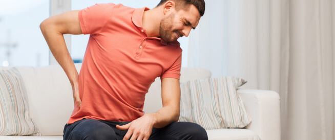 7 أسباب لألم الكلى المفاجئ