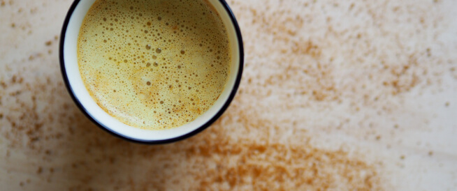 فوائد الكركم مع الحليب (الحليب الذهبي)
