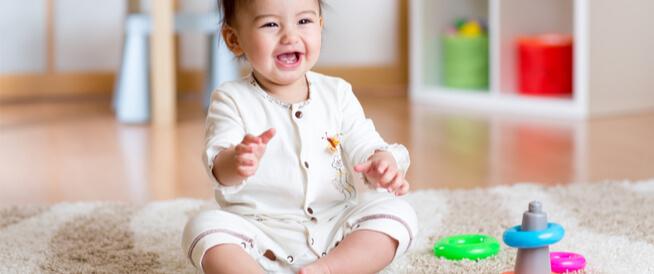 متى يجلس الرضيع؟ معلومات ونصائح تهمك