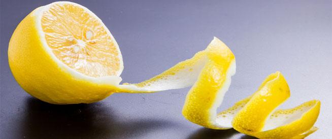 لهذه الأسباب لا تتخلص من قشر الليمون