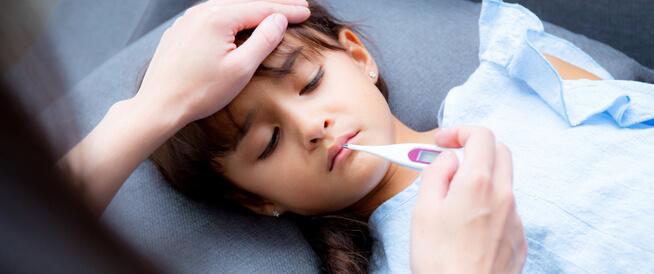 درجة حرارة الطفل الطبيعية: معلومات هامة