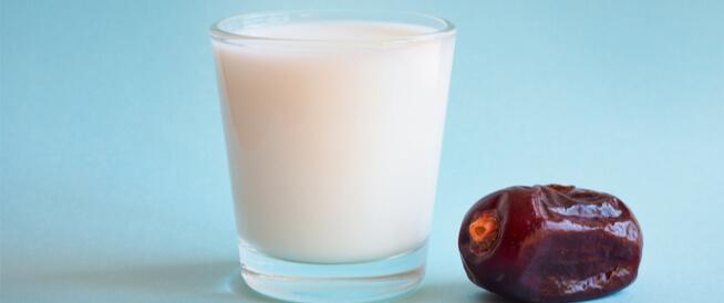 رجيم التمر والحليب: هل هو صحي؟