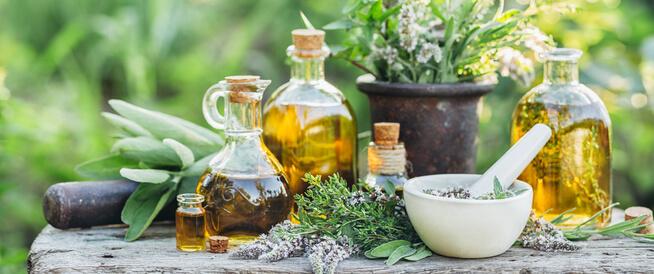 علاج التهاب الحلق بالأعشاب ويب طب