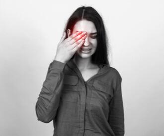 شلل العصب السادس: ماذا يجب أن تعرف عنه؟