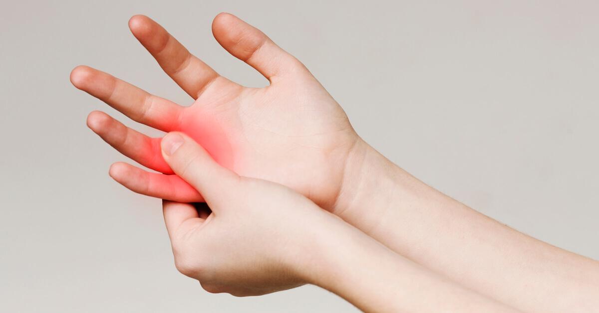 تنميل الأصابع ما هي الأسباب ويب طب