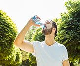 ماهي فوائد شرب الماء بكثرة؟