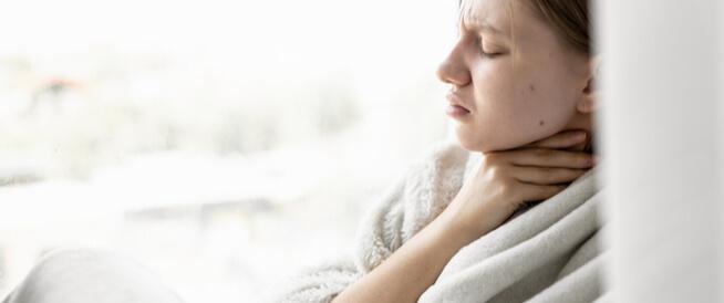 علاج التهاب الحلق الشديد ويب طب