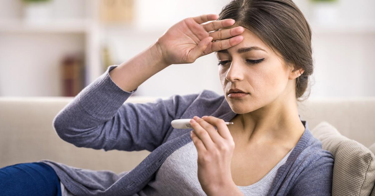 أسباب ارتفاع درجة حرارة الجسم عند المرأة ويب طب