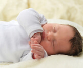 تعديل رأس الطفل الرضيع