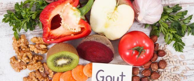 ما هي الأطعمة المفيدة لمرضى النقرس؟