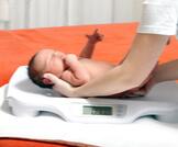 زيادة وزن الرضيع في الشهر الأول