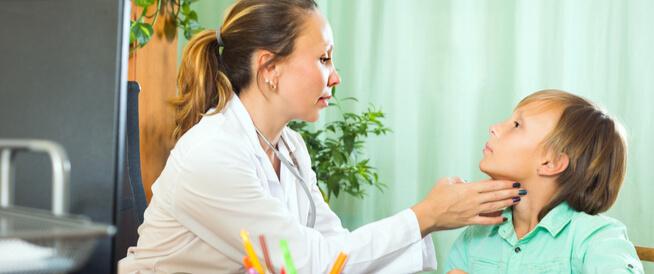 ما هي أعراض الغدة الدرقية عند الأطفال؟