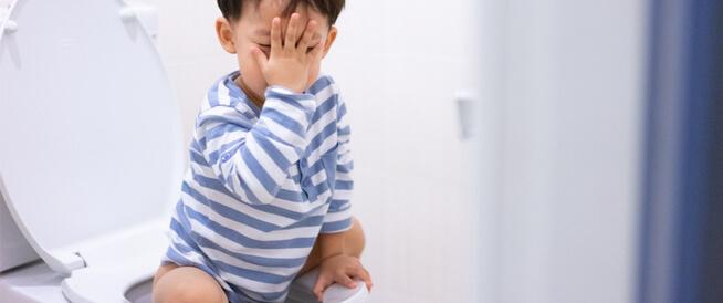 علاج الإمساك عند الأطفال وأهم مسبباته ويب طب