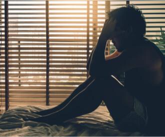 علاج الاكتئاب في المنزل: هل هو ممكن؟