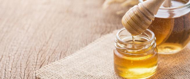 علاج القولون العصبي بالعسل: هل هو ممكن؟