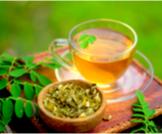 فوائد شاي المورينجا وآثاره الجانبية