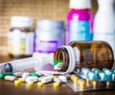 ما حقيقة وجود أدوية تغير لون البراز؟