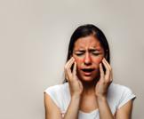 أعراض وأسباب حساسية الوجه المفاجئة