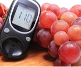العنب والسكري: علاقة ضارة أم صحية؟