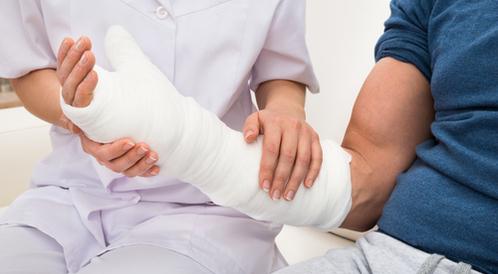 ما هي علامات جبر العظام؟