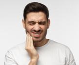 هل طقطقة الفك خطيرة؟
