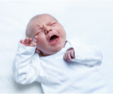 ما هو سبب بكاء الطفل المفاجئ؟