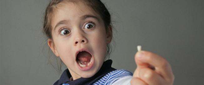 كم عدد الأسنان اللبنية؟ ومتى تُستبدل؟