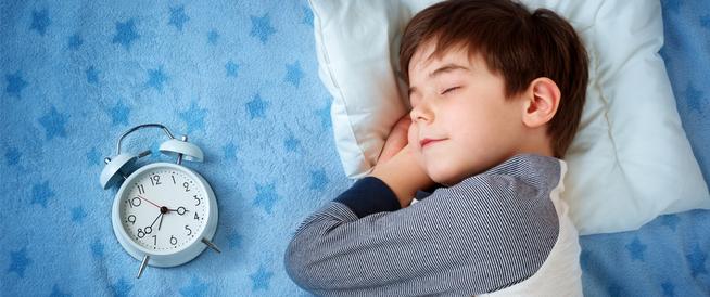 عدد ساعات نوم الطفل ونصائح لنوم كاف لهم