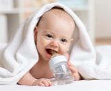 أعراض الجفاف عند الرضع