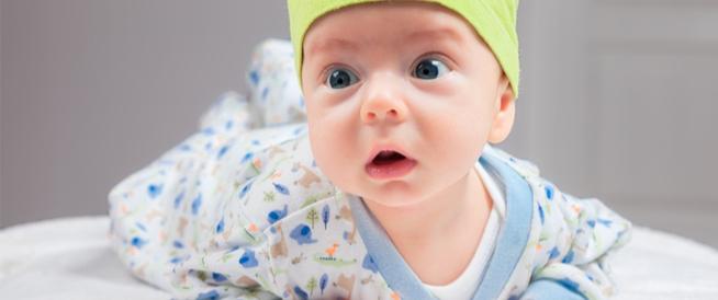 الرضيع في الشهر الثاني: دليلك الشامل