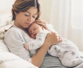 كيف يتكون حليب الأم وفوائده