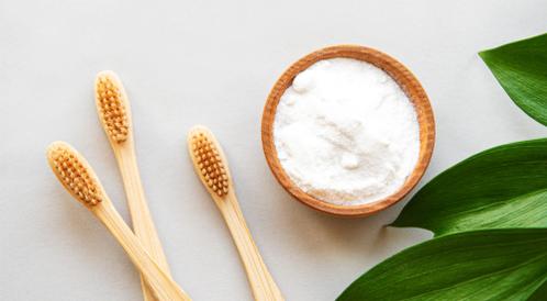 بيكربونات الصوديوم لتبييض الأسنان