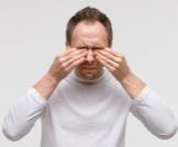 هل حساسية العين تؤثر على النظر