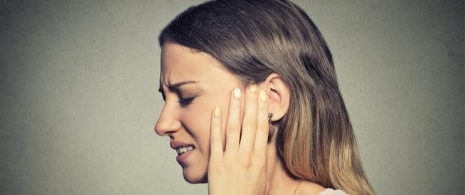 علاج انسداد الأذن بسبب الضغط ولماذا يحدث؟
