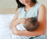 أعراض حساسية لبن الأم عند الرضع