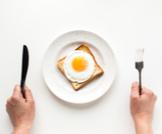 هل أكل البيض كل يوم مضر