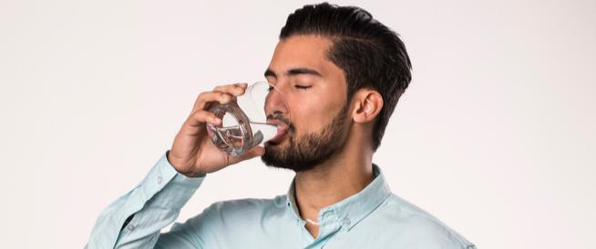 هل شرب الماء بكثرة ينزل الوزن ويب طب