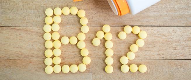 فيتامين B12 للشعر: ما أهميته