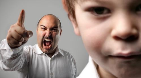 الأهل والتربية: كيف نعاقب الأولاد بدون الشعور بالذنب؟