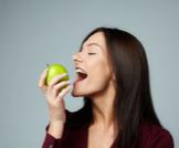 أطعمة تقوي الأسنان