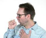 الكحة بعد الأكل: أسباب وعلاجات