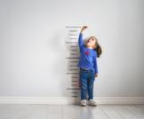 كم يطول الإنسان في السنة